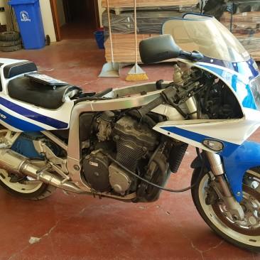 """Moto SUZUKI GSXR750 Tg. BF 45878 – """"non funzionante per pezzi di ricambio"""""""